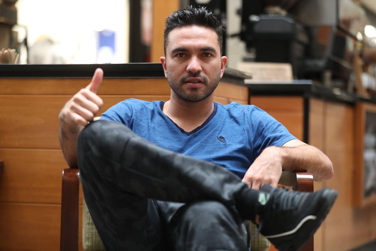 El mexicano Carlos Kamiani está listo para enfrentar su nueva aventura en el futbol de Guatemala, ahora con la camisa de Xelajú MC. (Foto Prensa Libre: Jorge Ovalle)
