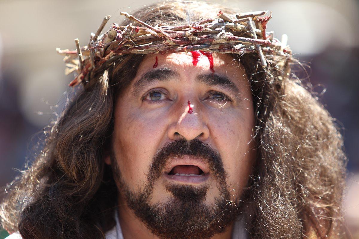 El actor Luis Garistú interpretará, nuevamente, a Jesús en el viacrucis itinerante que saldrá a las calles este Viernes Santo. (Foto Hemeroteca PL).