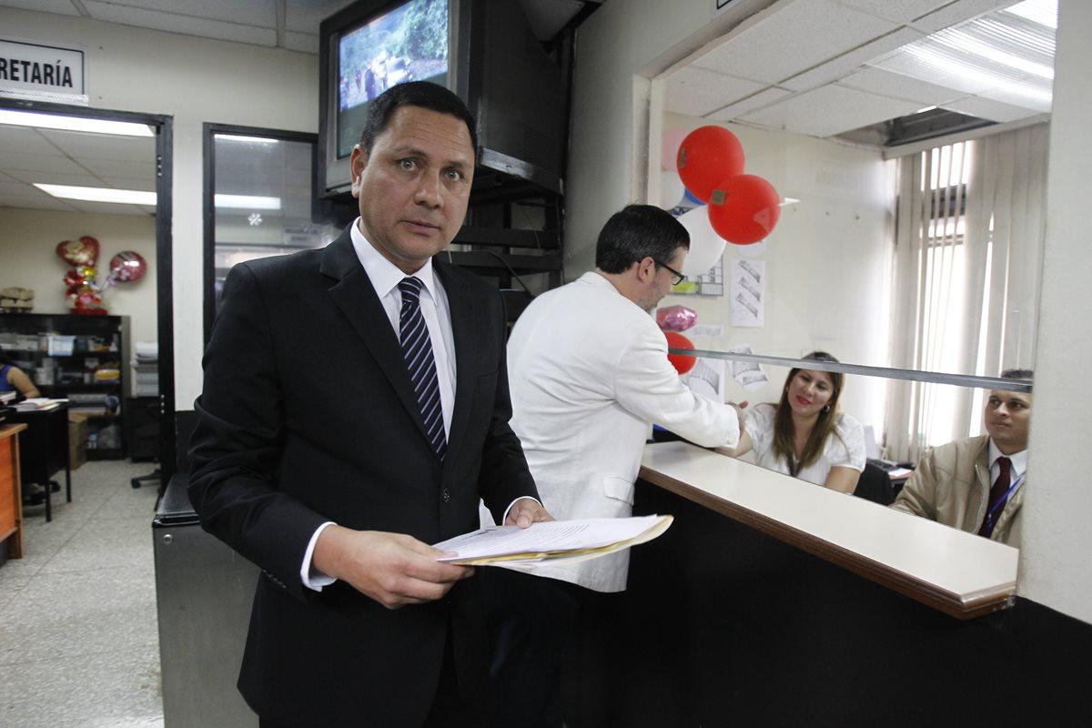 Abogado Raúl Falla: La resolución de la CC no especifica a Velásquez
