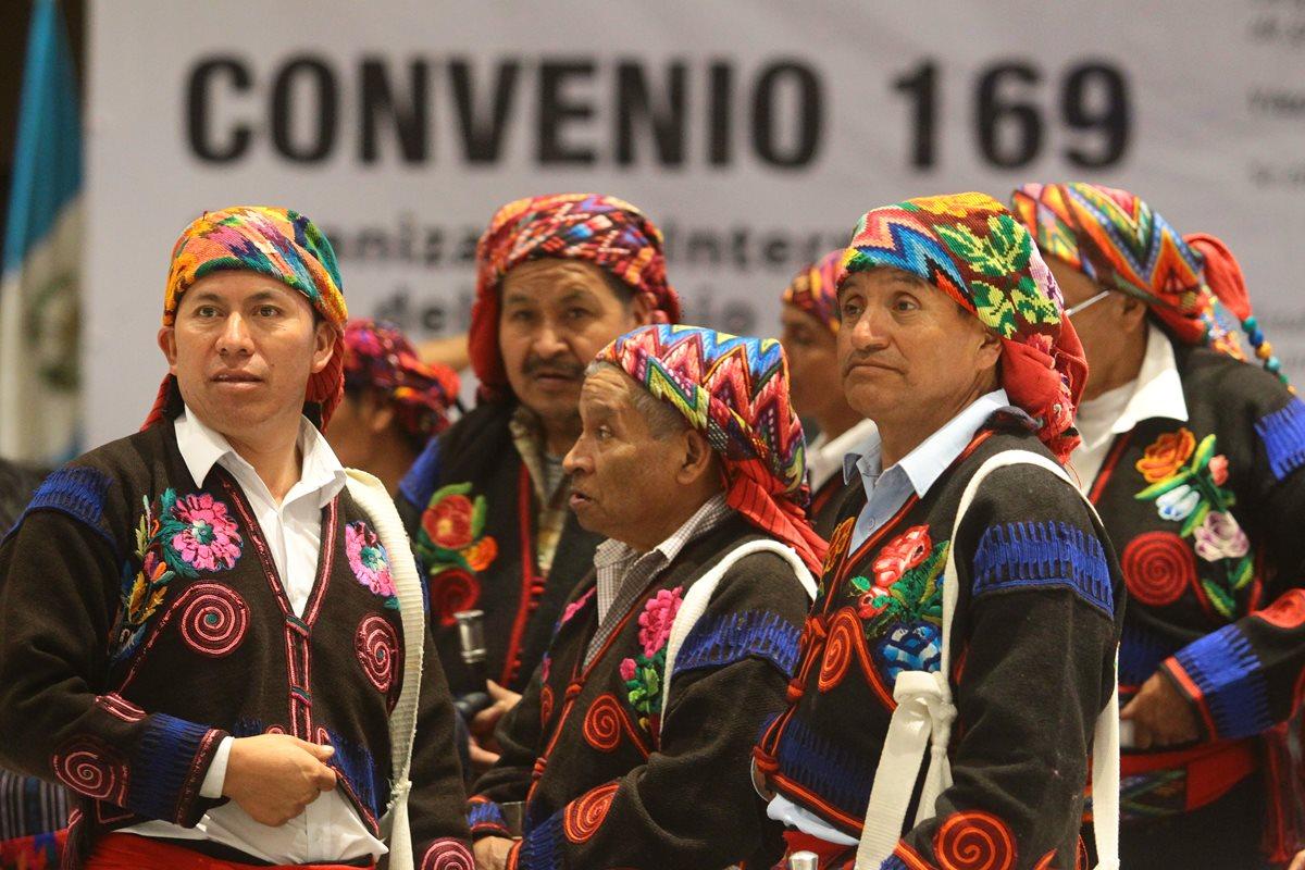 En días recientes se presentó la guía para celebrar consultas a los pueblos indígenas, en tanto hay legislación específica. (Foto Prensa Libre: Hemeroteca PL)