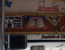 El sarcasmo es un elemento presente en los mensajes, así como las frases religiosas. (Foto Prensa Libre: Álvaro Interiano).