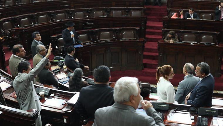 El Congreso se encuentra en periodo de receso y la producción de dictámenes de iniciativas de ley baja considerablemente durante diciembre. (Foto Prensa Libre: Hemeroteca PL)