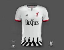 Este sería el diseño de la camisa del Liverpool en homenaje a los Beatles. (Foto Prensa Libre: Twitter)