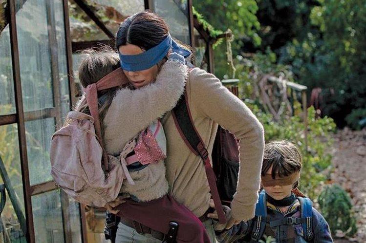 Bird Box, con Sandra Bullock, es un éxito en Netflix y en redes sociales (Foto Prensa Libre: Netflix)