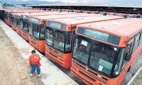Buses estacionados en predios ya no funcionan. (Foto Prensa Libre: Hemeroteca)