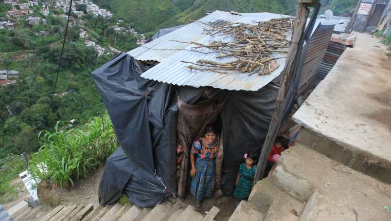 La OIM recomienda que se atienda a la población que migra en lo interno, ya que muchas veces se ubican en áreas de alto riesgo. (Foto Prensa Libre: Esbin García)