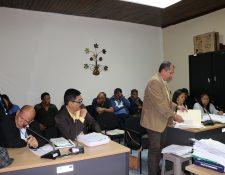 Concejales de Santiago Sacatepéquez, que fungieron en el periodo 2004-2008, quedaron ligados a proceso por lavado de dinero y otros activos. (Foto Prensa Libre: Julio Sicán)