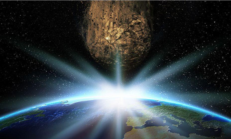 existen en total 62 trayectorias de 2018 LF16 pronosticadas, cuando la roca podría golpear la Tierra hasta el año 2117. (Foto Prensa Libre: Shutterstock)