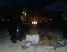 Hallan el cadáver de una recién nacida en vertedero municipal de Huehuetenango. (Foto Prensa Libre: Bomberos Voluntarios)