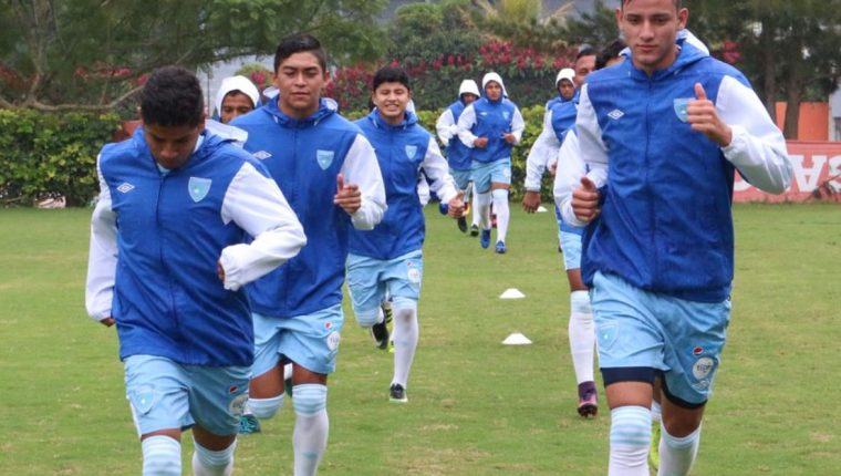 Los jugadores de la Selección Nacional Sub 20 se han entrenado pensando en tener una opción en Managua. (Foto Prensa Libre: Fedefut).