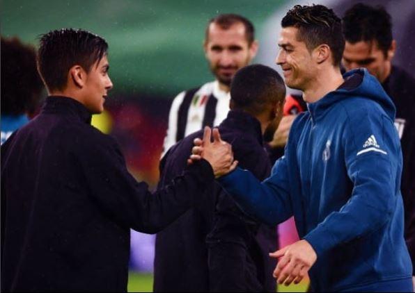 Dybala y Khedira le dan la bienvenida a Cristiano Ronaldo