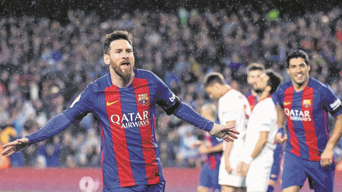 Lionel Messi y Luis Suárez comandan la delantera del FC Barcelona luego de la salida de Neymar. (Foto Prensa Libre: AP)