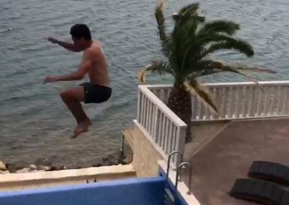 Un inocente video, le causó un jalón de orejas a Mats Hummels. (Foto Prensa Libre: Captura de Pantalla Instagram)