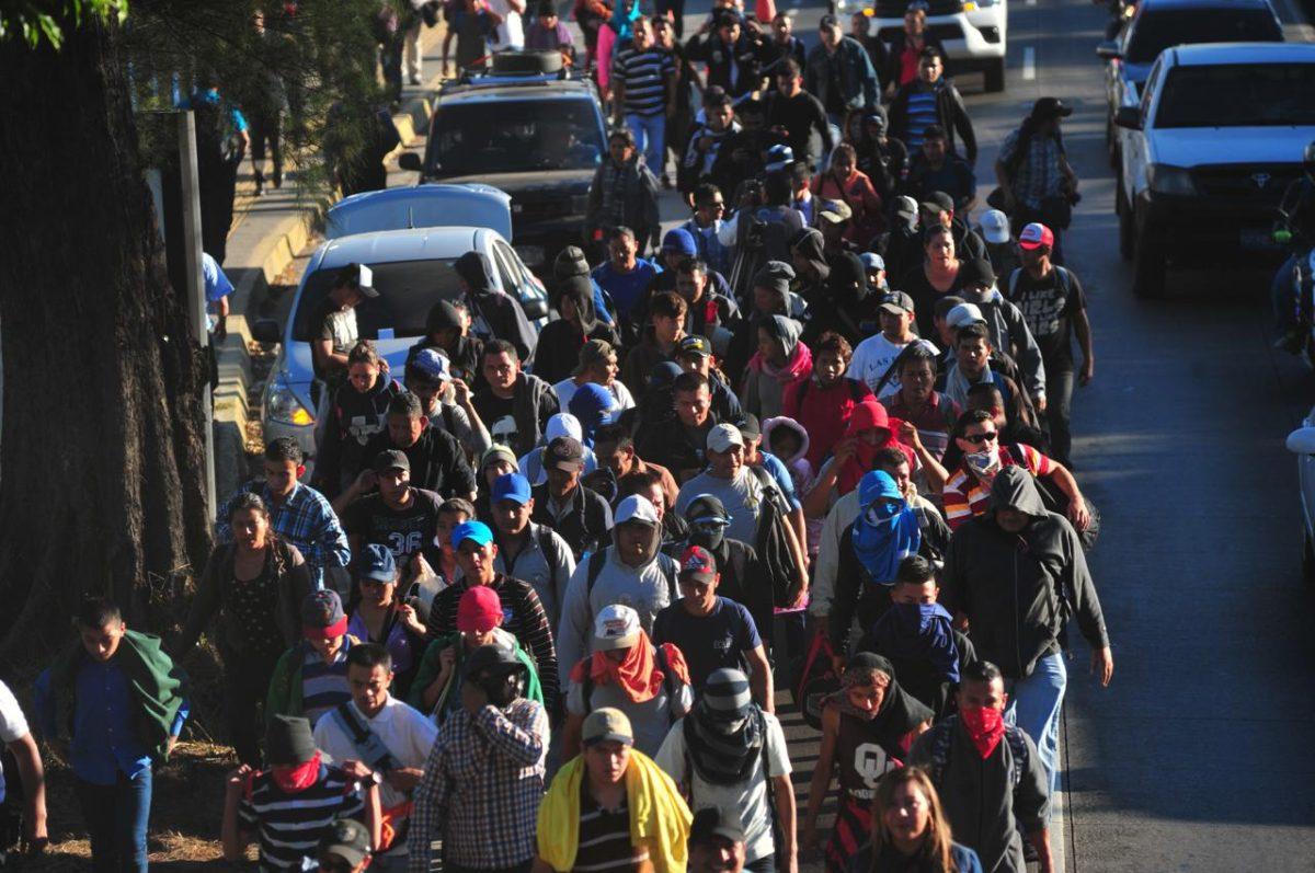 Supuesta caravana de 30 mil migrantes partiría de Colombia, afirma secretario de Jimmy Morales