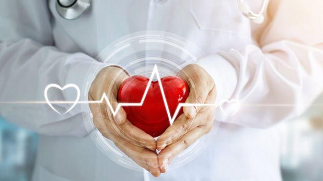 En América Latina han aumentado los casos de enfermedades cardiovasculares por cambios en la dieta y el estilo de vida, apunta la Organización Mundial de la Salud. (GETTY IMAGES)