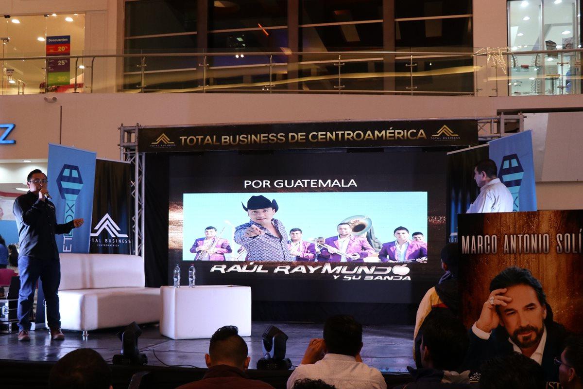 Organizadores del concierto exponen detalles del concierto en Quetzaltenango. (Prensa Libre: María Longo)