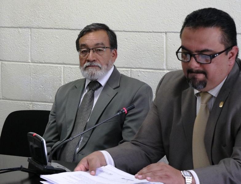 El alcalde quetzalteco Luis Grijalva acudió al Centro Regional de Justicia para declarar en su antejuicio. (Foto Prensa Libre: María José Longo)