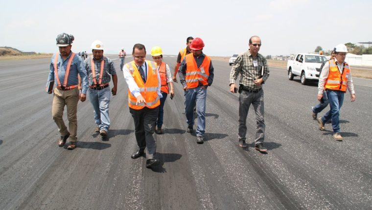 De las ocho empresas interesadas en el proceso de licitación, únicamente se presentaron dos. (Foto Prensa Libre: Cortesía DGAC)