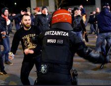 Los violentos episodios en España alertaron a la FIFA que, no obstante, ratificó su plena confianza en la seguridad en la Copa del Mundo. (Foto Prensa Libre: AFP).