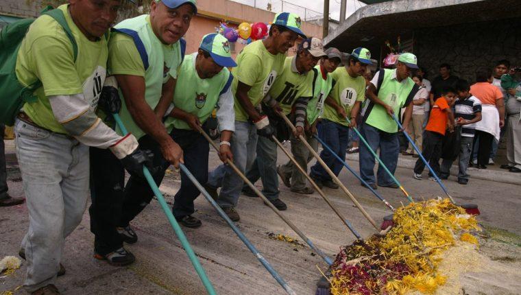 Un equipo de 300 personas del programa Limpia y Verde trabajó en el aseo de la ciudad. (Foto Hemeroteca PL)