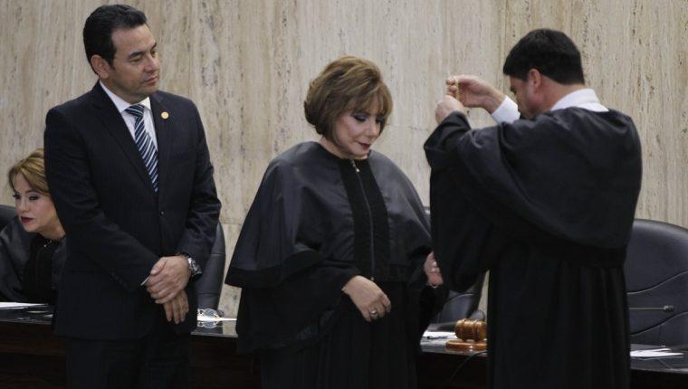 El 14 de octubre de 2016 cuando Silvia Valdés fue juramentada presidenta de la CSJ. (Foto Prensa Libre: Hemeroteca PL)