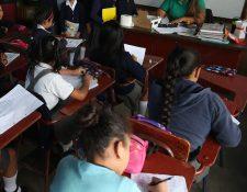 El nuevo gobierno contempla un servicio privado de salud para los estudiantes y cubrir así el déficit de atención en niños en edad escolar. (Foto Prensa Libre: Hemeroteca PL)