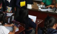 Mineduc despide a personal que no llega  a trabajar, la mayoría son maestros. (Foto Prensa Libre: Érick Ávila)