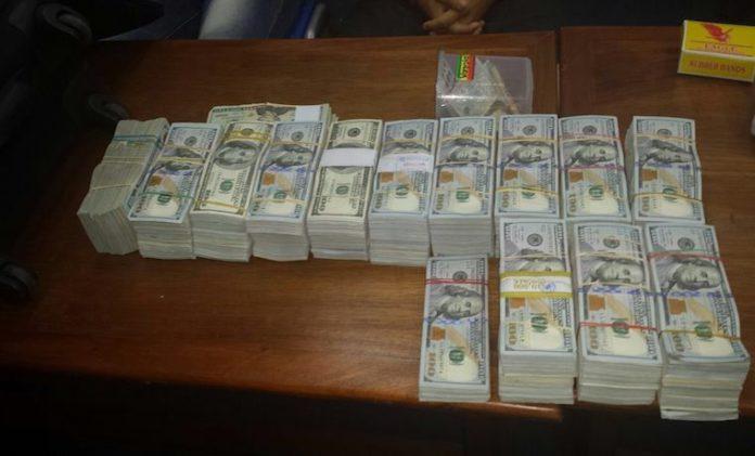 La Fiscalía contra el Lavado de Dinero incautó millones de dólares. (Foto Prensa Libre: Hemeroteca PL)