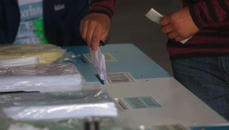 La oferta electoral de cara a las elecciones de 2019 podría ser hasta de 30 partidos. (Foto Prensa Libre: Hemeroteca PL)