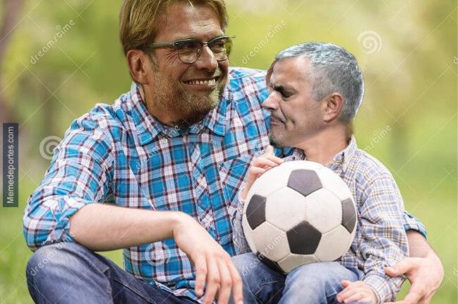 Los aficionados disfrutaron de la derrota de Jose Mourinho frente a Jurgen Klopp. (Foto Prensa Libre: Memedeportes)