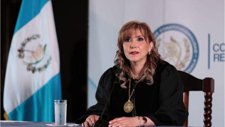 La magistrada Dina Ochoa brinda su primera conferencia de Prensa. (Foto Prensa Libre: Carlos Hernández)