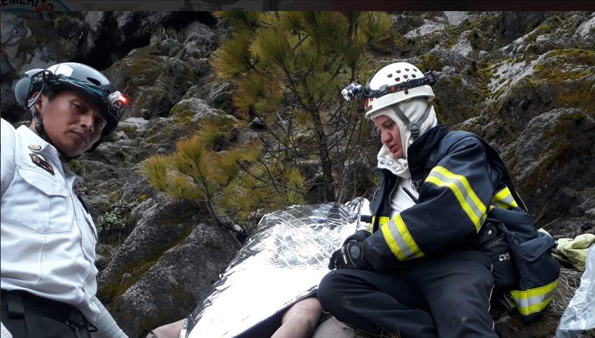 El cuerpo del canadiense fue localizado sobre unas rocas.(Foto Prensa Libre: cortesía CBV)