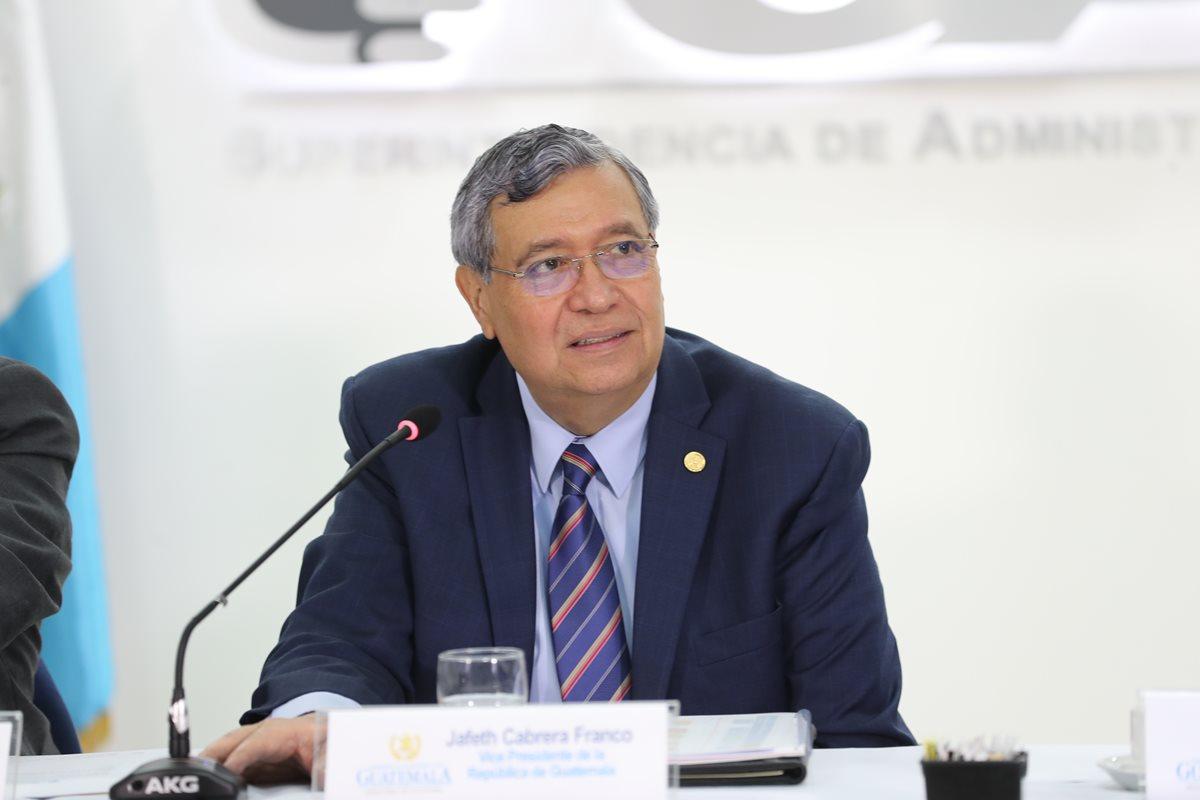 Jafeth Cabrera, vicepresidente de Guatemala, durante una conferencia. (Foto Prensa Libre: Érick Ávila)