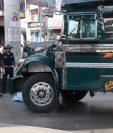 El accidente de tránsito se registró en el km 54 de la ruta Interamericana, en la cabecera de Chimaltenango. (Foto Prensa Libre: Víctor Chamalé)