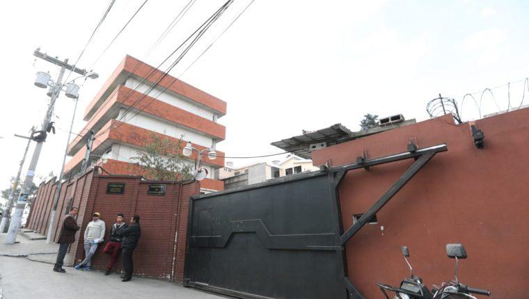 Juzgado de Turno de Mixco, donde Juan Ramón Lau López fue dejado en libertad luego de ser detenido con un arma con reporte de robo. (Foto Prensa Libre: Hemeroteca PL)