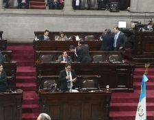 El procurador de los Derechos Humanos Jordán Rodas, presenta su informe anual ante el pleno del Congreso. (Foto Prensa Libre: Carlos Álvarez)