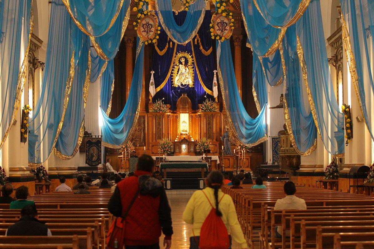 Fieles celebran cuatro siglos de rezado de la Inmaculada Concepción
