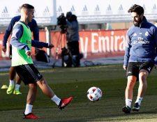 Lucas Vásquez e Isco Alarcón durante el entrenamiento del Real Madrid.  (Foto Prensa Libre cca827640a89c