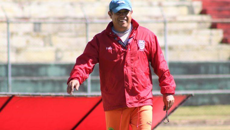 Gabriel Castillo se siente optimista de poder salvar a Marquense del descenso. (Foto Prensa Libre: Raúl Juárez)