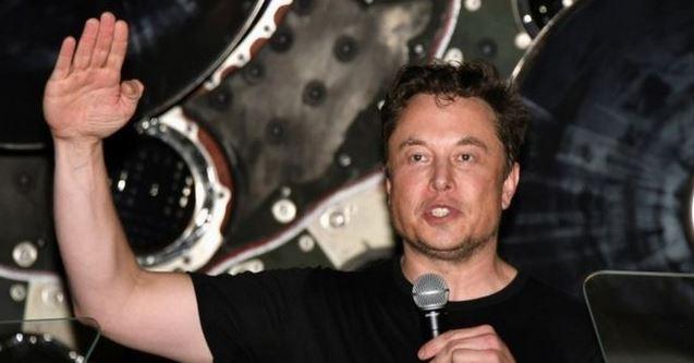 Forbes estima que Elon Musk tiene una fortuna de US420 mil 700 millones.