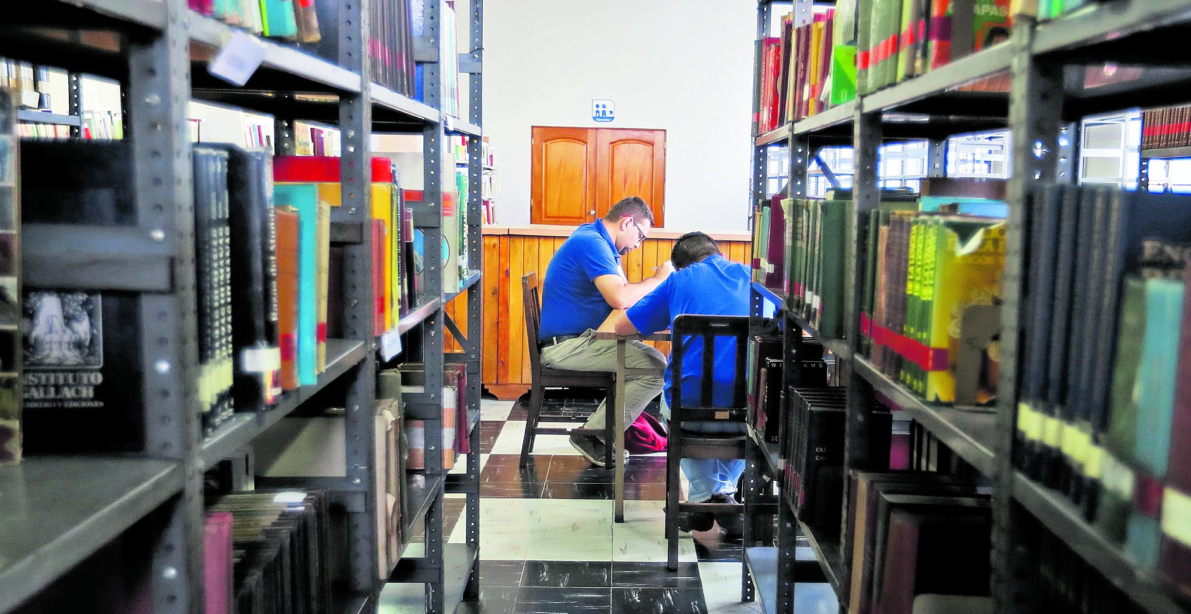 Las bibliotecas especializadas podrán ser habilitadas por particulares o entidades.(Foto Prensa Libre: Hemeroteca PL)