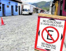 Para evitar que motoristas se estacionen en lugares prohibidos la comuna habilita tres parqueos para ese tipo de vehículo. (Foto Prensa Libre: Hemeroteca PL)