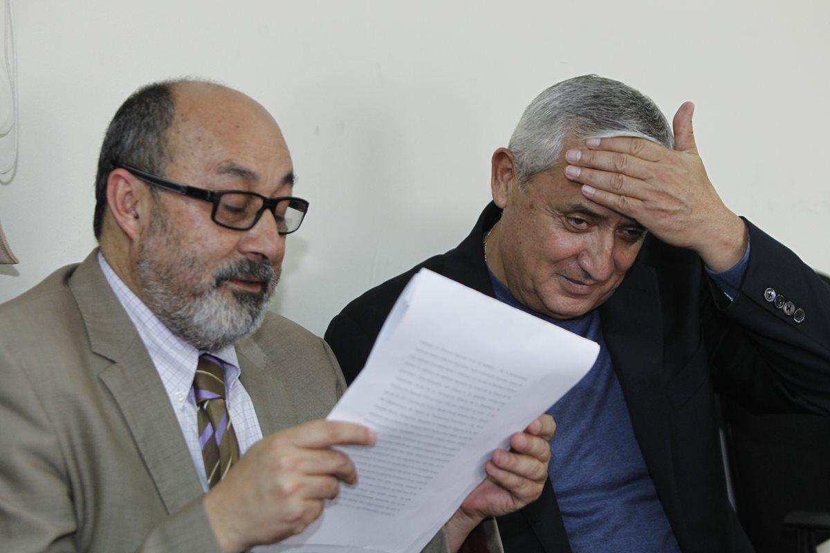 El abogado Moisés Galindo Ruiz renunció a la representación legal del exmandatario Otto Pérez Molina. (Foto Prensa Libre: Hemeroteca PL)