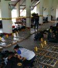 Autoridades han logrado contabilizar mil paquetes de droga, que permanecían empacadas en 50 tulas. (Foto Prensa Libre: MP)