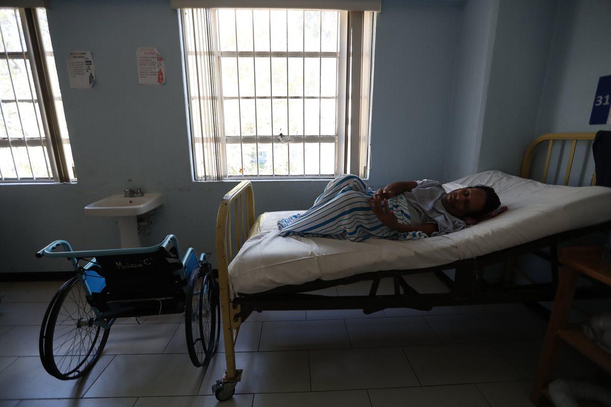 Los eternos pacientes abandonados en el Hospital Roosevelt