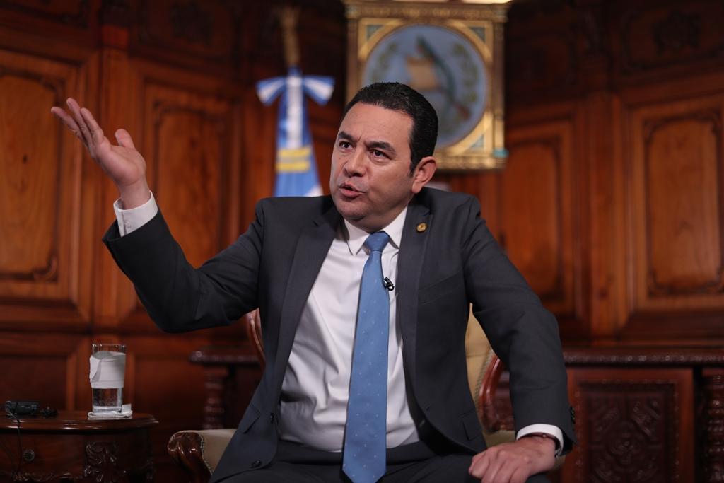 El presidente Jimmy Morales conversó durante 37 minutos con reporteros de Prensa Libre y durante la entrevista tocó temas como Cicig. (Foto Prensa Libre: Esbin García)