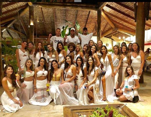 Neymar presume imagen con 26 mujeres en su fiesta de fin de año