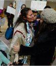 La guatemalteca María García Santiago fue deportada de EE.UU. y regresa al país junto a sus cuatro hijos. (Foto Prensa Libre: www.sltrib.com)