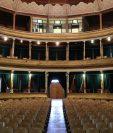 El uso del Teatro Municipal de Quetzaltenango, construido hace 112 años, será regulado por la comuna. (Prensa Libre: María Longo)