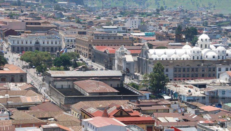 Ciudad de Quetzaltenango, donde habrá corte de energía. (Foto Prensa Libre: Carlos Ventura).